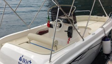 Noleggio imbarcazioni sul lago di Como
